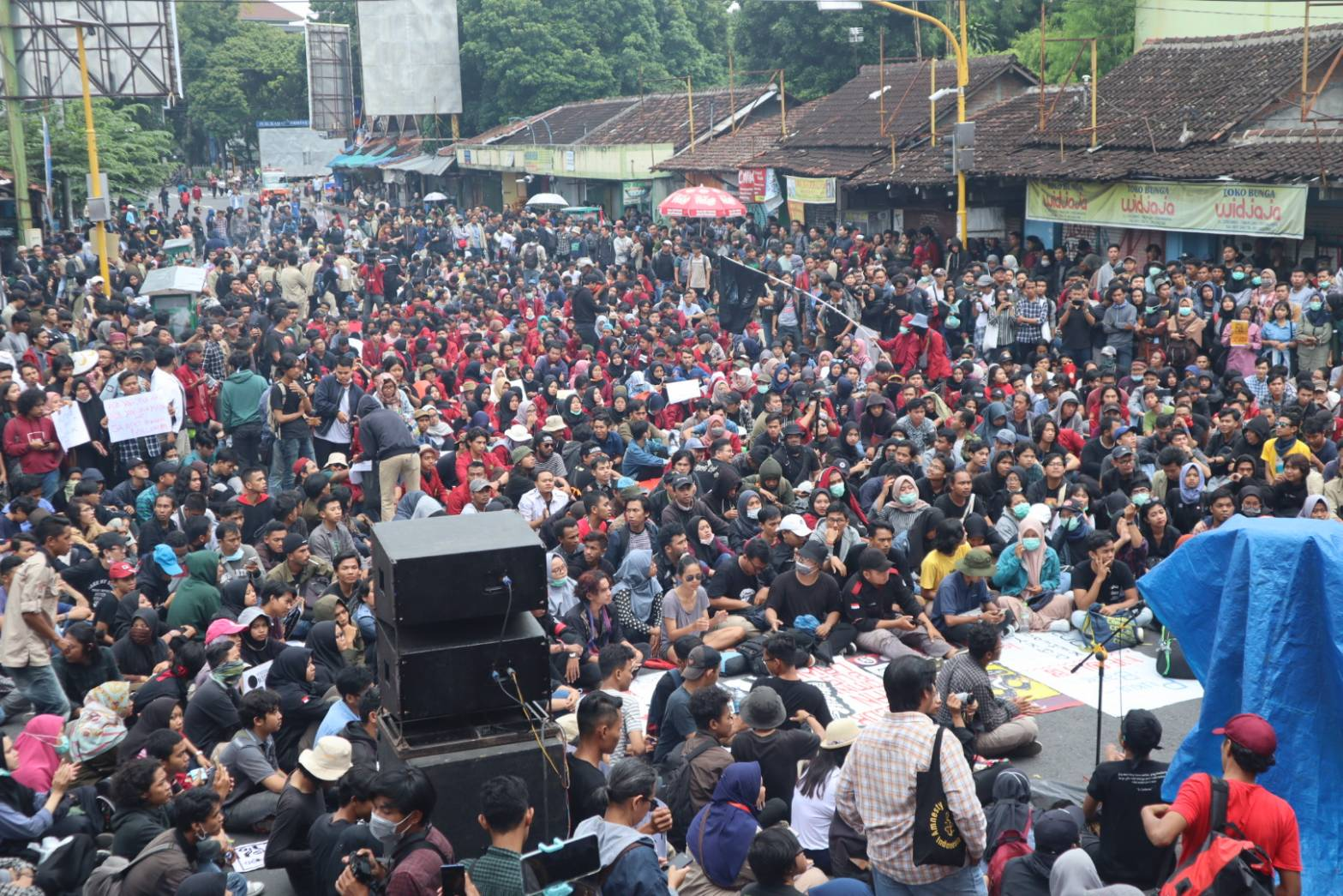 Rapat Parlemen Jalanan: Suara Buruh  dalam Jeratan RUU Omnibus Law