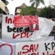 Bentangan dukungan terhadap KPK , Sabtu (24/1).