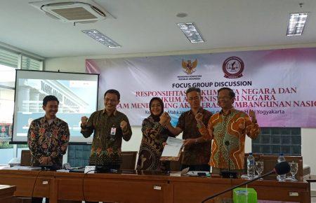 MK & APHTN-HAN: Pembaharuan Hukum dalam Pembangunan Nasional